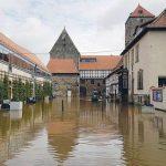 Anforderungsprofil einer Hochwasserabdichtung bzw. eines Hochwasserbelages